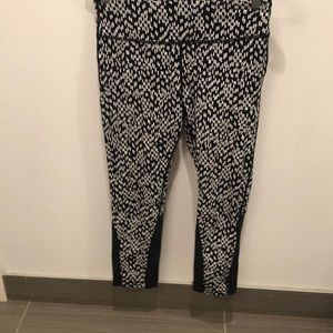 Nike Dri fit printed leggings with mesh. Size med